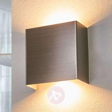 Enja metal LED wall light