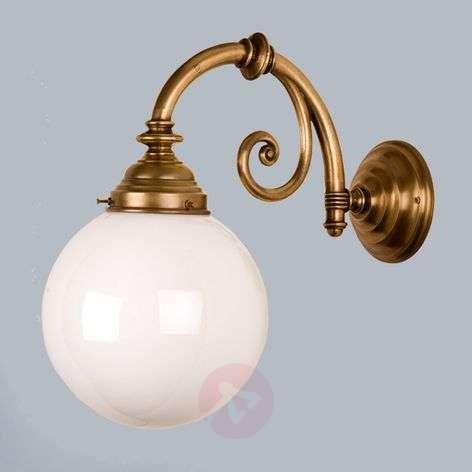 Frank brass wall light