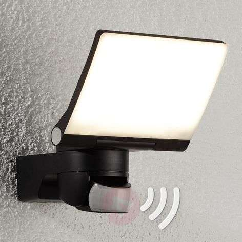 Innovative LED outdoor wall light XLED HOME 2 LED