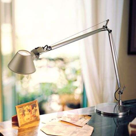 LED desk lamp Tolomeo with dimmer