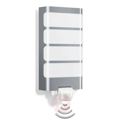LED outdoor wall light L244 with motion sensor