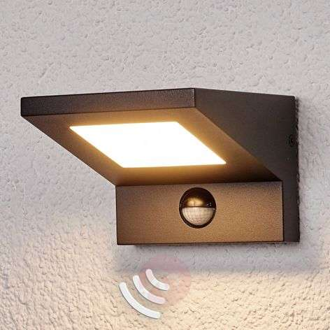 LED outdoor wall light Levvon with motion detector