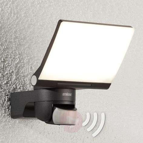 LED outdoor wall light XLED Home 2 XL w. IR sensor