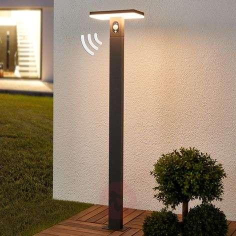 LED path light Josa with solar panel and sensor