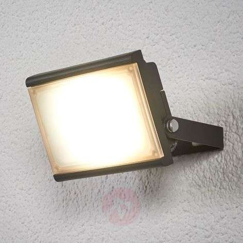 LED spotlight for outdoors