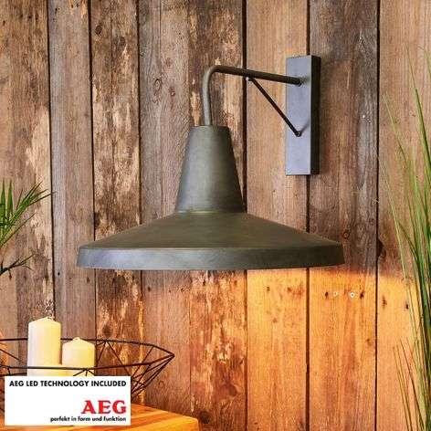 Marret nostalgic-looking LED wall lamp