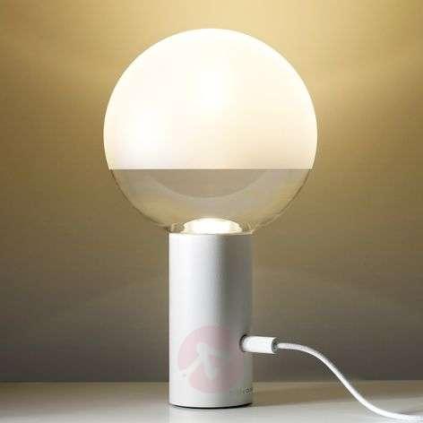 Minimalist LED table lamp Kuula in white