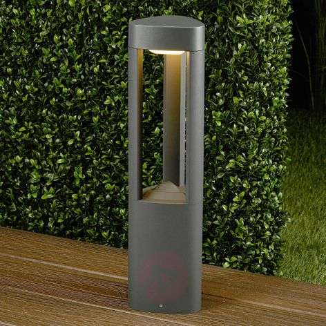 Nanna Triangular LED Pillar Lamp Made of Aluminium