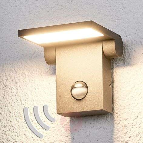 Outdoor wall light Marius with sensor and LEDs