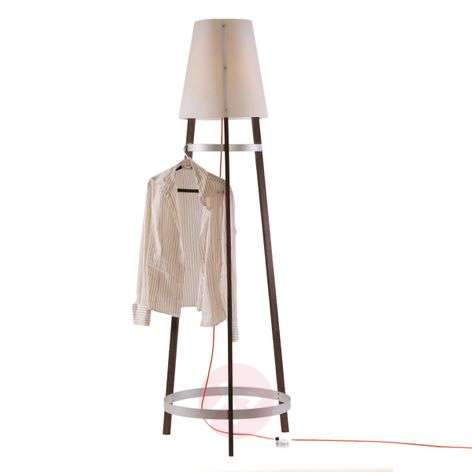 Practical floor lamp Wai Ting with a red cable