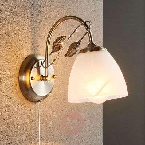 Pretty wall lamp Michalina, classic style