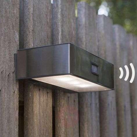Solar-powered Brick LED sensor outdoor wall light