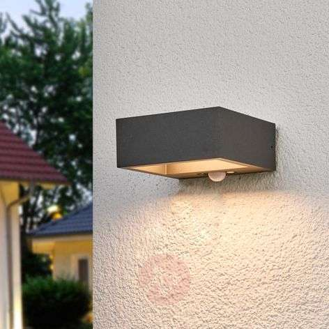 Solar-powered LED outdoor wall light Mahra, sensor
