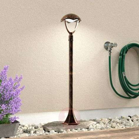 Stylish LED path light Gracht Antique rust colour