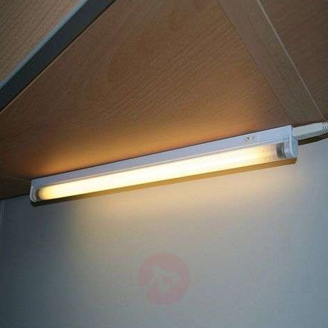 Surface/under-cabinet light with ballast 8-35 W