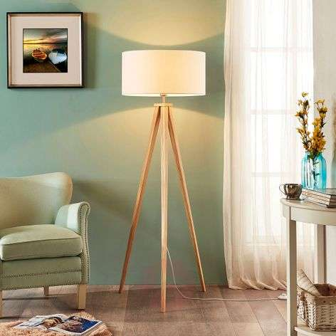 Tripod wooden floor lamp Mya with wooden lampshade
