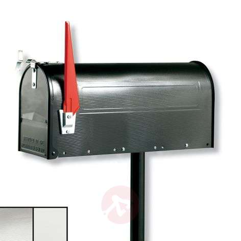 US mailbox with pivotable flag