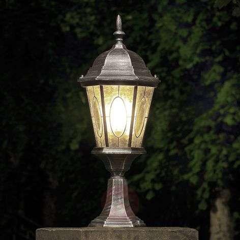 Vera pedestal light
