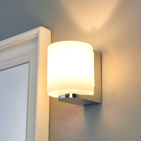 Vesa - LED wall light with round glass lampshade