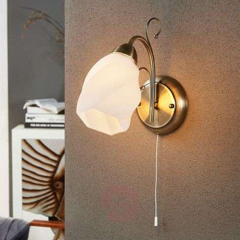 Wall lamp Amedea in a romantic style