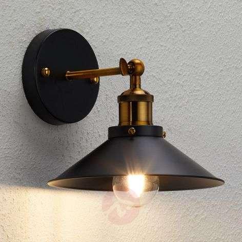 Wall light Viktor in an industrial design