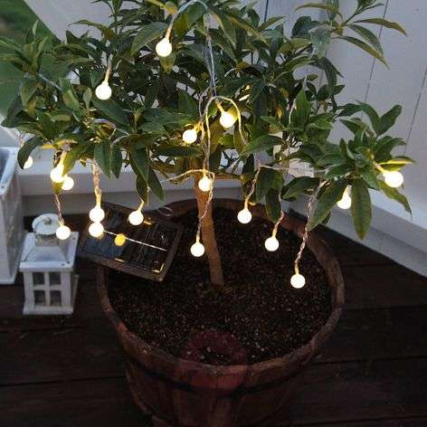 Warm white shining LED solar string lights Balls