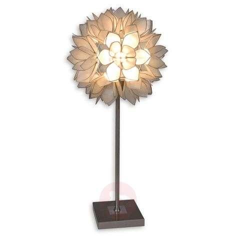 Wonderful table lamp Hanna