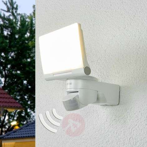 XLED Home 2 LED outdoor wall light in white-8505692-31