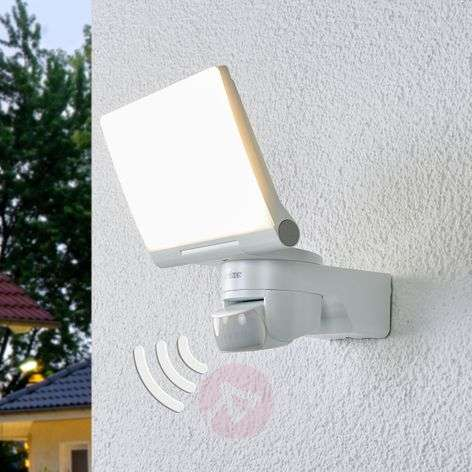 XLED Home 2 XL - LED wall light with sensor