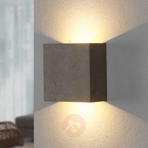 Yva - LED wall light made of concrete