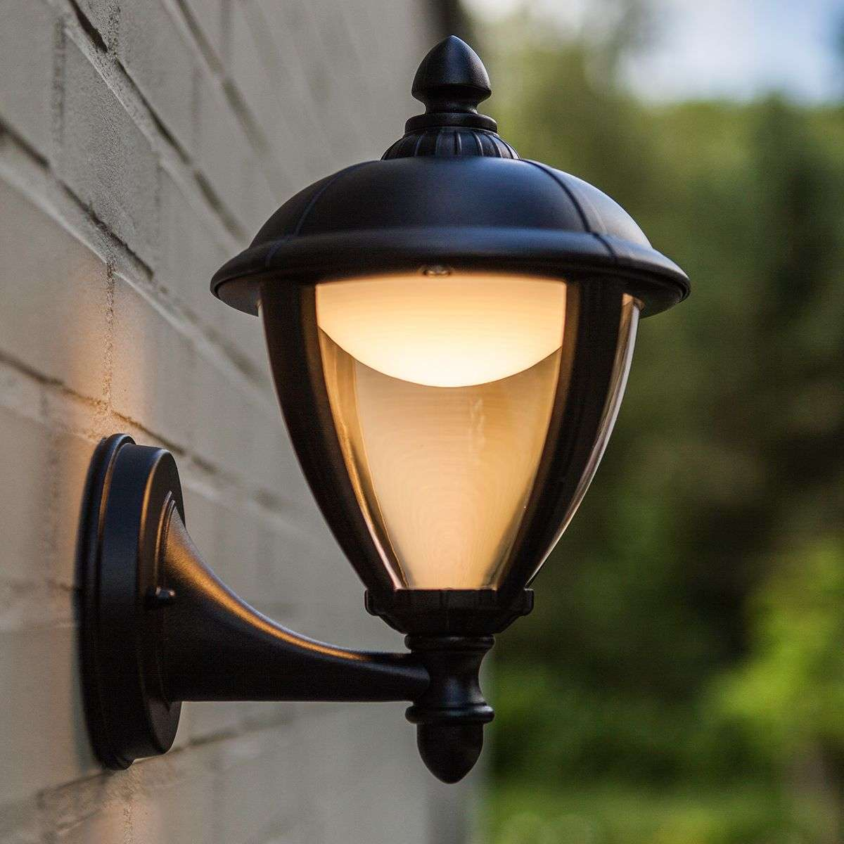 Classically-designed Unite LED exterior wall light | Lights.ie