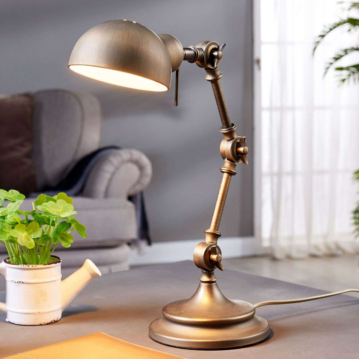 Ellisen desk lamp in bronze-9620985-32