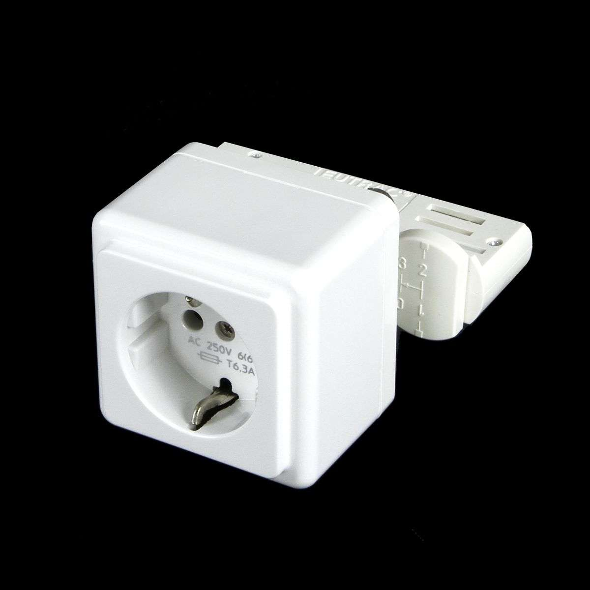 Power point multi-adapter for track system-1002371-31