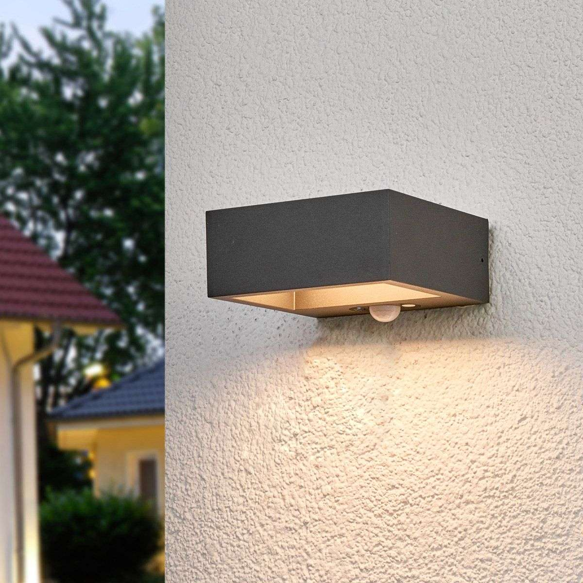 Solar Powered Led Outdoor Wall Light Mahra Sensor
